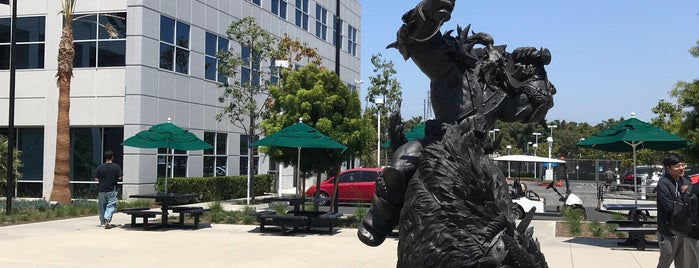 Blizzard Entertainment HQ is one of Lugares favoritos de Brad.