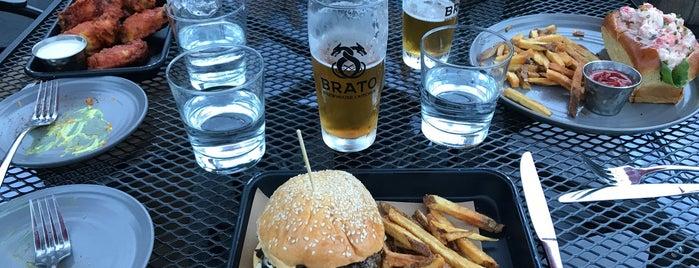 Brato Brewhouse + Kitchen is one of Lugares favoritos de Kavitha.