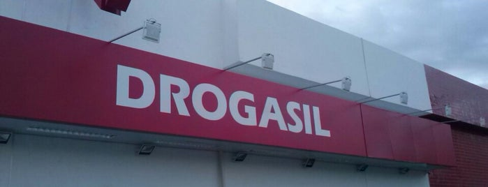 Drogasil is one of Locais curtidos por Isabelle.