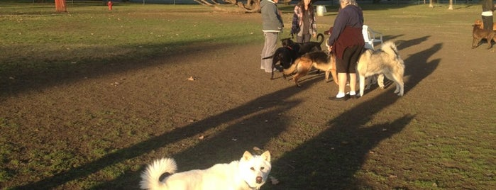 Sepulveda Basin Off-Leash Dog Park is one of สถานที่ที่บันทึกไว้ของ Gabriel.