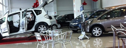 Honda Daitan is one of Locais curtidos por Aline.