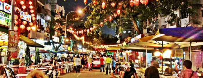 Jalan Alor is one of saeedBahammamさんの保存済みスポット.