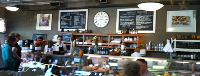 Well-Bred Bakery and Cafe is one of Locais salvos de Paul.