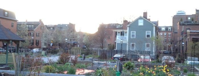 Gazebo Garden is one of Lugares favoritos de Julian.