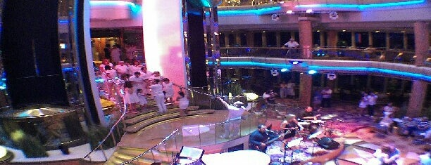 Splendour Of The Seas is one of Milenaさんのお気に入りスポット.