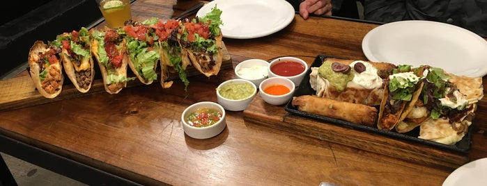 Taco Box is one of Locais curtidos por Florencia.