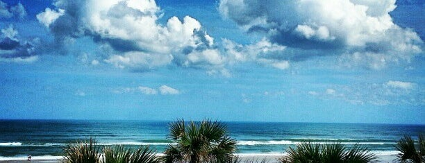 Daytona Beach Shores is one of Tempat yang Disukai Ed.