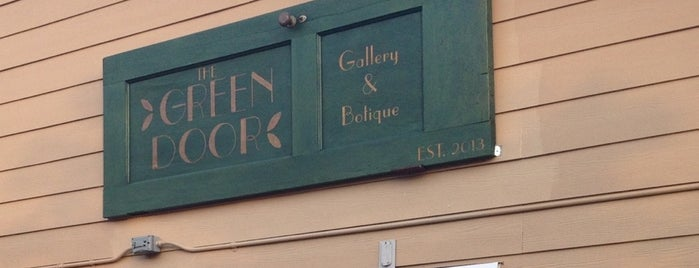 The Green Door is one of Austin! ⚡️.