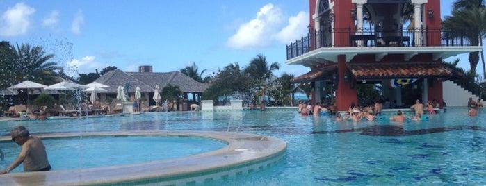 Sandals Main Pool is one of Orte, die Will gefallen.
