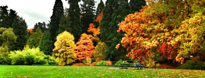 Laurelhurst Park is one of PDX.