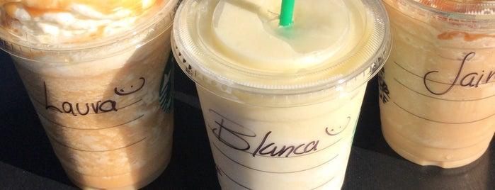 Starbucks Jolie Place is one of Locais curtidos por Stephania.