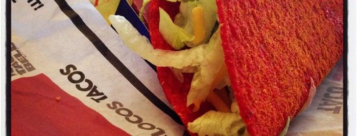 Taco Bell is one of Tempat yang Disukai April.