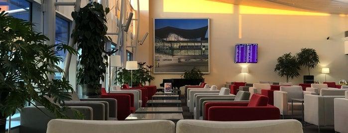 UIA Premium Lounge is one of Nicholas 님이 좋아한 장소.