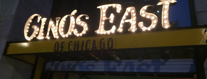 Gino's East of Chicago is one of Tempat yang Disimpan Aline.