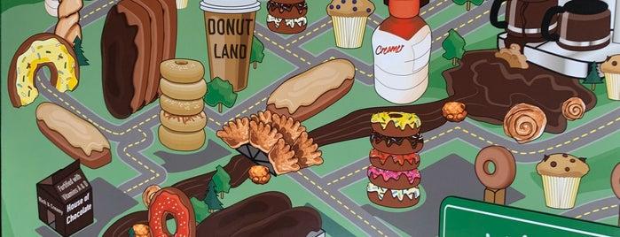 Donut Land is one of สถานที่ที่ Rosana ถูกใจ.