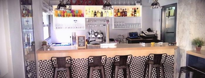 La Zona Social Bar is one of Comer en Alicante.