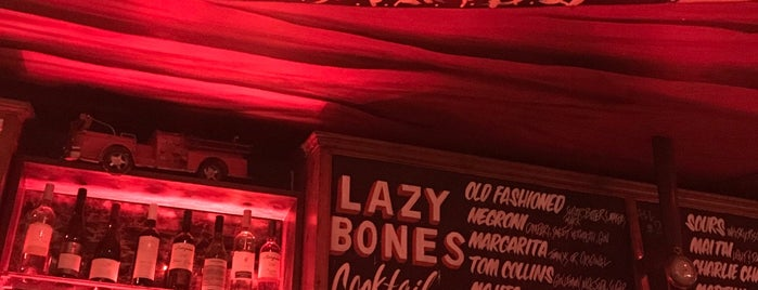 Lazybones Lounge is one of Mimi's Saved Places.