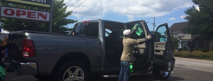 Deer Park Car Wash is one of Posti che sono piaciuti a Ashley.