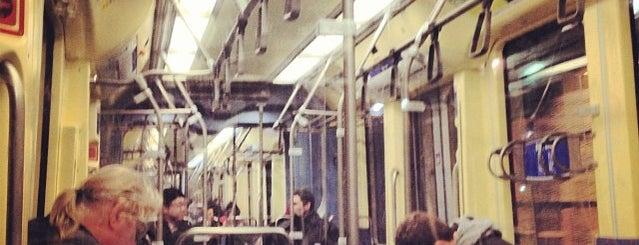 Metro Transit LRT Blue Line is one of Tempat yang Disukai Alan.