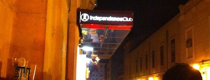 Independance Club is one of Bar fiesta.