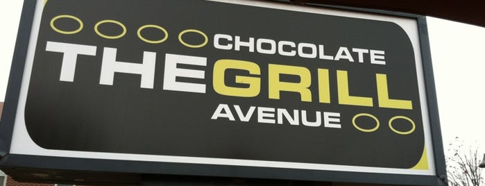 The Chocolate Avenue Grill is one of Posti salvati di Lizzie.
