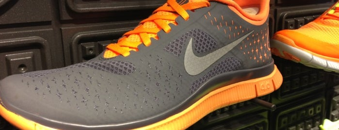 Nike Running is one of A Continuous Lean's Menswear Shopping Guide 2012.