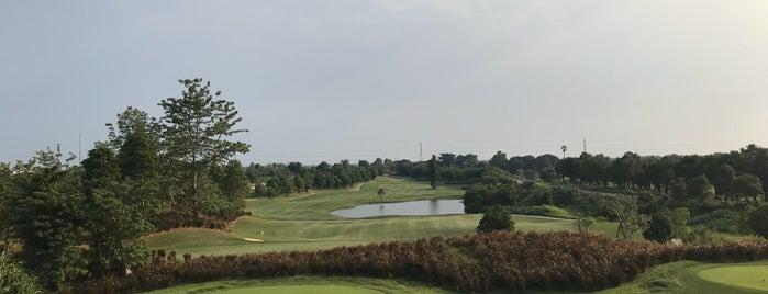Nikanti Golf Club is one of Lieux qui ont plu à Andrew.