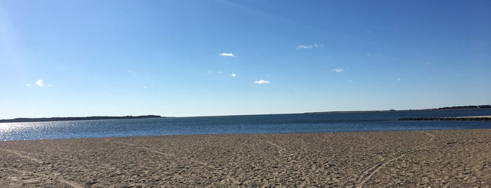 Colonial Acres Beach is one of Tempat yang Disimpan Eugenie.