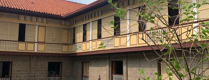 Casa Manila is one of Tempat yang Disukai Bogs.