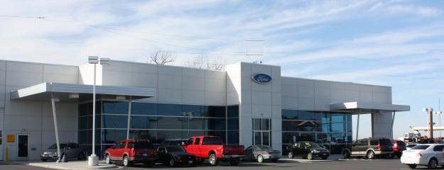 Bob Sight Ford Inc. is one of Tempat yang Disukai JL Johnson.