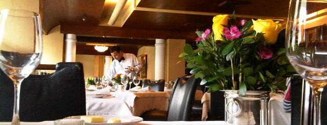 Restaurant Bar Valentino is one of Gespeicherte Orte von Paul.