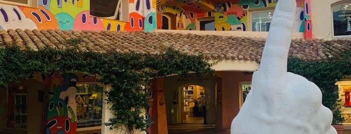 Porto Cervo is one of 🇮🇹.