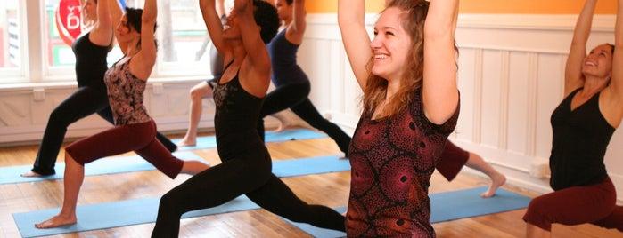 Mighty Yoga is one of Melissa 님이 좋아한 장소.