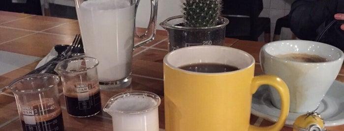 Walter's Coffee Roastery is one of สถานที่ที่ Hatice Elif ถูกใจ.