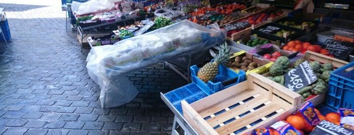 Zondagmarkt Sint-Michielsplein is one of Restaurants Gent.