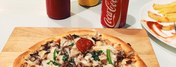 Tio Fast Food   فستفود تیو is one of Locais curtidos por H.