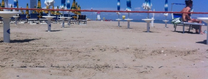 Spiaggia is one of Beach.