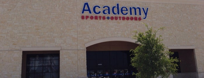Academy Sports + Outdoors is one of Locais curtidos por David.