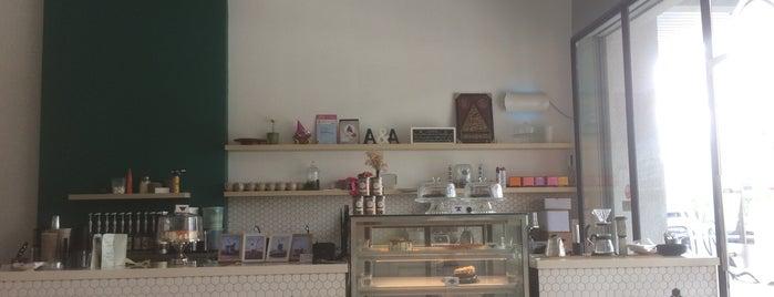 Double A Cafe is one of Biel 님이 좋아한 장소.