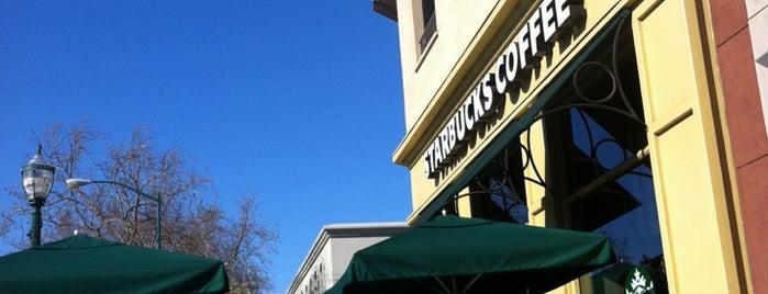 Starbucks is one of Michaelさんのお気に入りスポット.