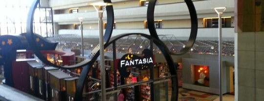 Fantasia Gifts is one of Lindsaye 님이 좋아한 장소.