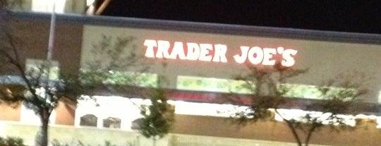 Trader Joe's is one of Gus'un Beğendiği Mekanlar.