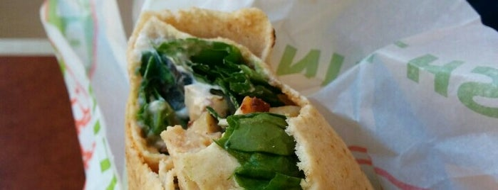 Pita Pit is one of Lugares favoritos de Steph.