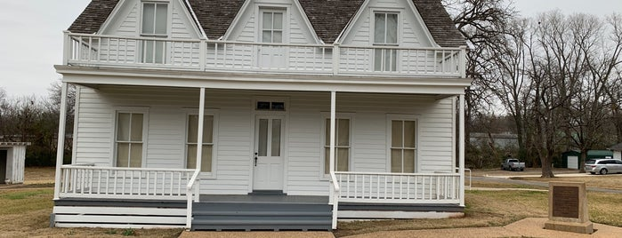 Eisenhower Birthplace State Historic Site is one of Locais curtidos por Kimberly.