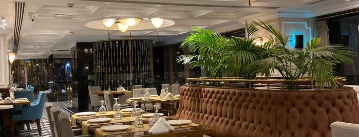 Petek Restaurants & Sweets is one of Nadya.