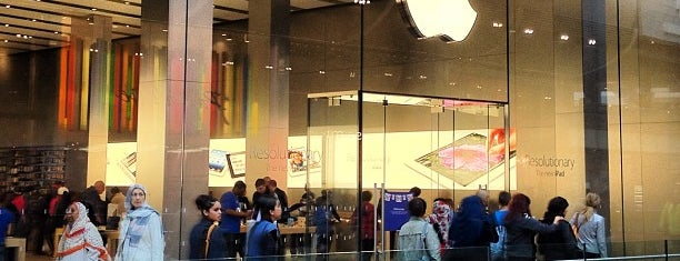 Apple Stratford City is one of Tempat yang Disukai DAS.