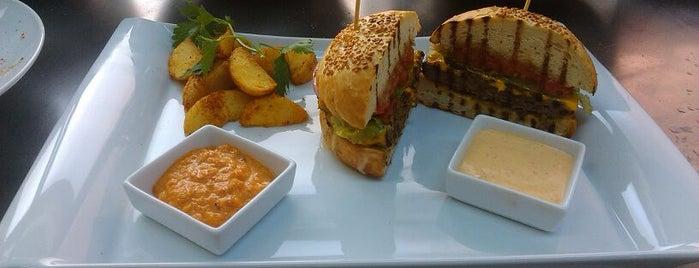 Veranda Cafe & Restaurant is one of Yemece icmece.