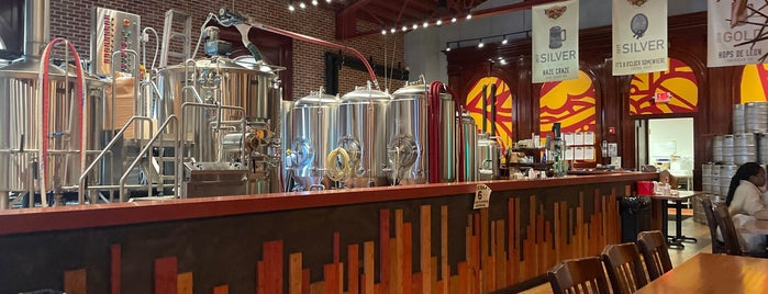 Torched Hop Brewing Company is one of ATL.