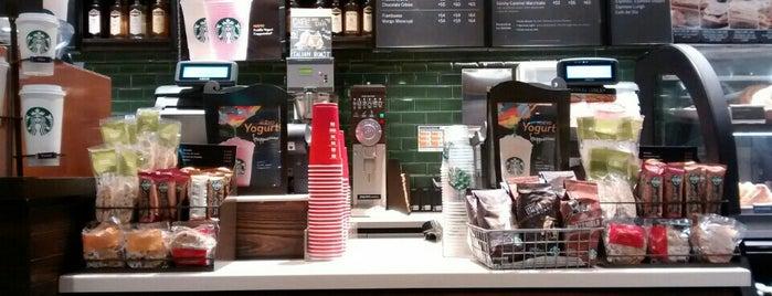 Starbucks is one of Desayuno - Bruch.