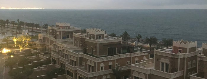 The Palm (West Crescent) - (نخلة جميرا (الهلال الغربي is one of PNR 님이 좋아한 장소.